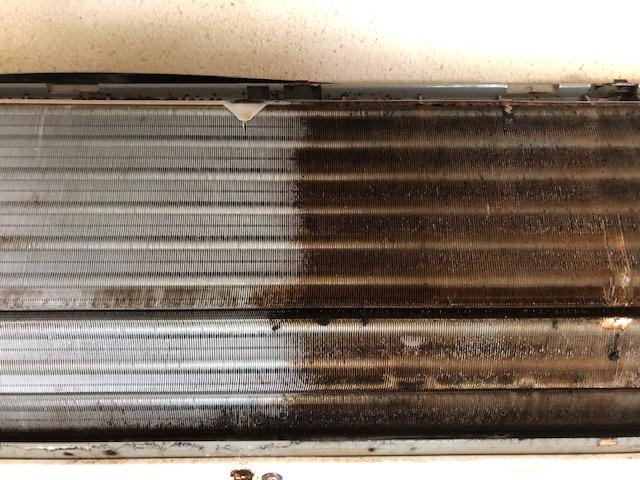 エアコン油汚れ
